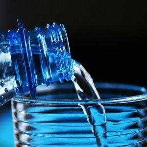 Vorschaubild Bedeutung von Wasser für den menschlichen Körper