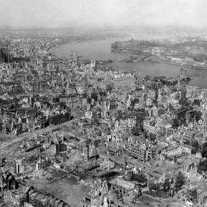 Vorschaubild Lebensgeschichten am Kriegsende 1945 – ein Hörfeature erstellen